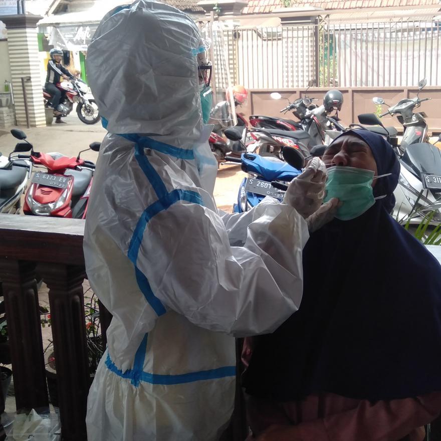Kegiatan swab antigen di Desa Gaji